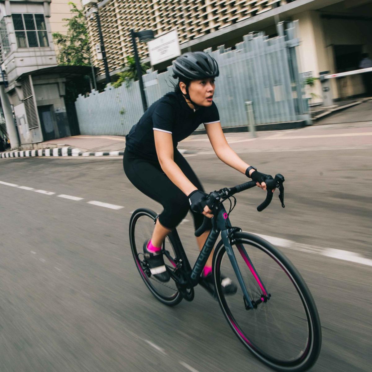 Rodalink Indonesia Toko Online Sepeda Berkualitas Bergaransi Baju Specialized Jersey Polygon Divine Road Bike Untuk Kaum Wanita