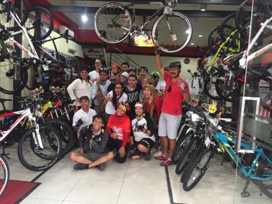Bike To Stage Jadikan Gaya Hidup Endah N Rhesa